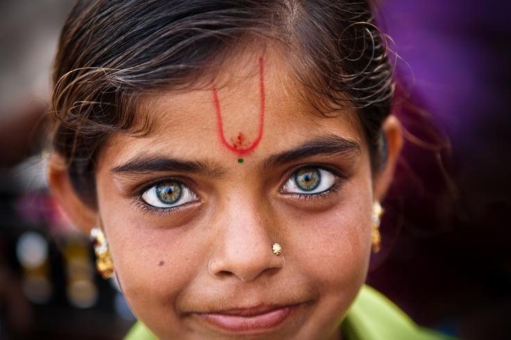 Those beautiful and expressive eyes, Gujarat, India.