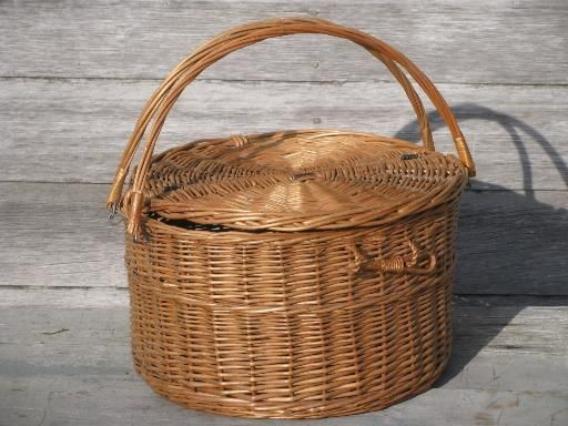 Pin by jennifer l on baskets pinterest - Round wicker hamper with lid ...