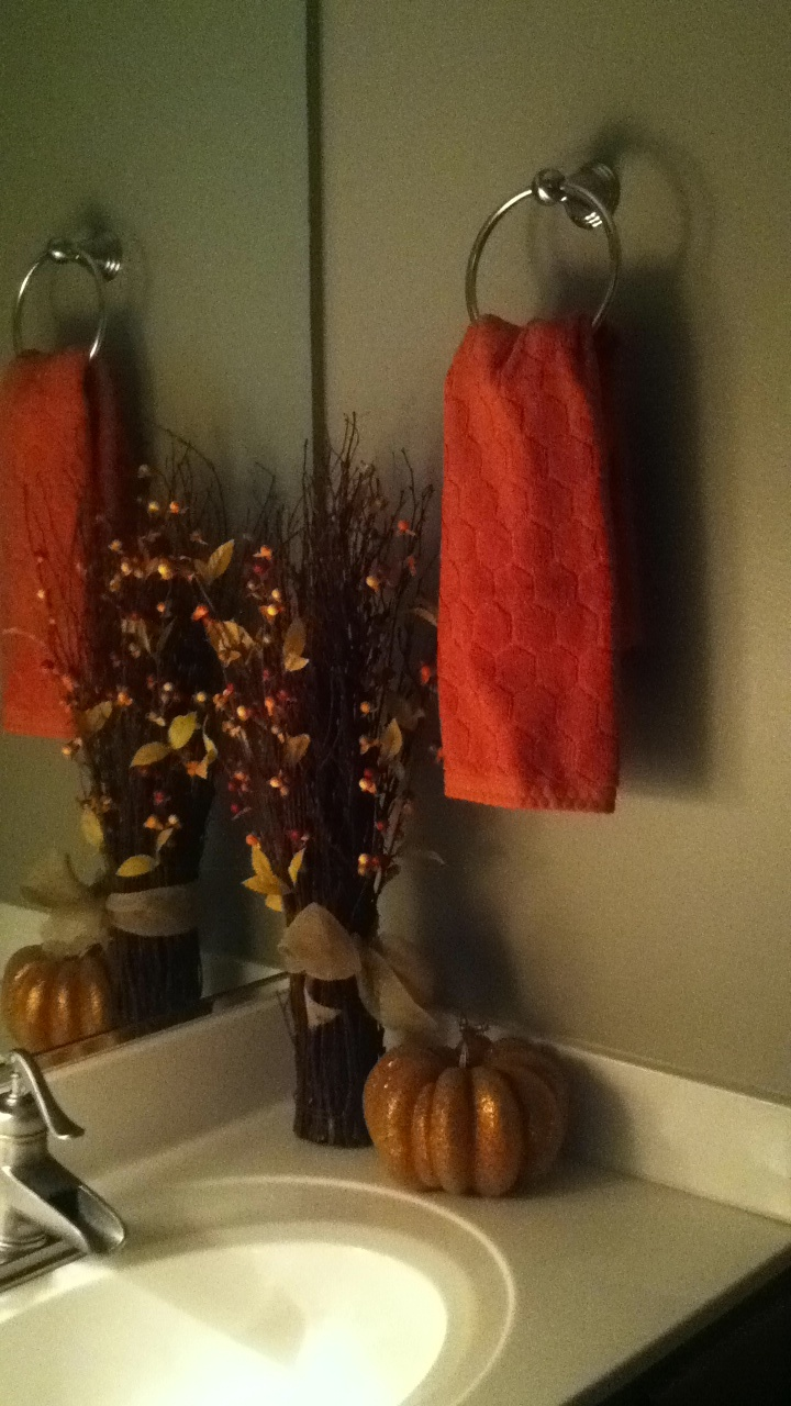 Decorating Your Bathroom For Fall : Bathroom fall decorations decor