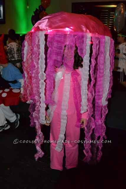Fun Jelly Fish Costume    This website is the Pinterest of costumesJelly Fish Costume
