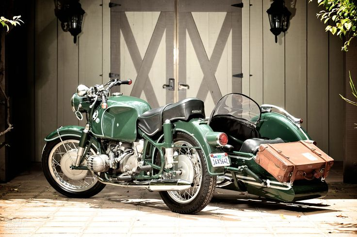 BMW R60/2 with Steib S350 Sport Chair