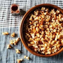 Smoked Paprika Popcorn: an easy, healthy snack that tastes a little ...