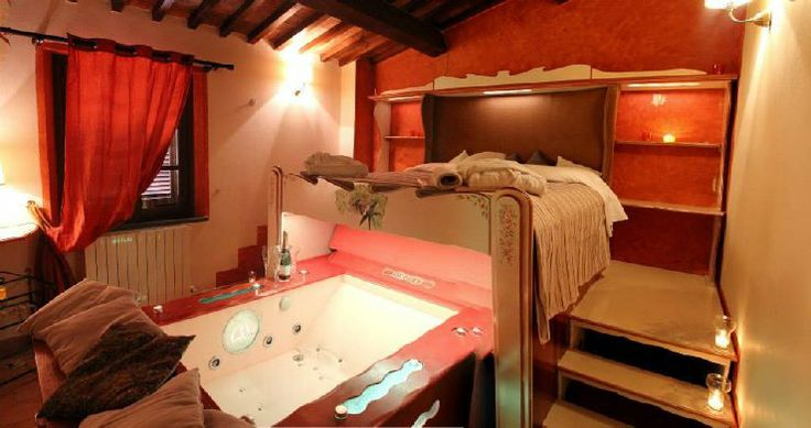 Pin by WRT Weekend Romantico Toscana on Relax e felicità: Jacuzzi in