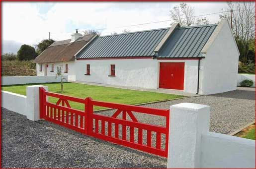 Traditional irish thatched cottage residentual for Irish cottage house plans