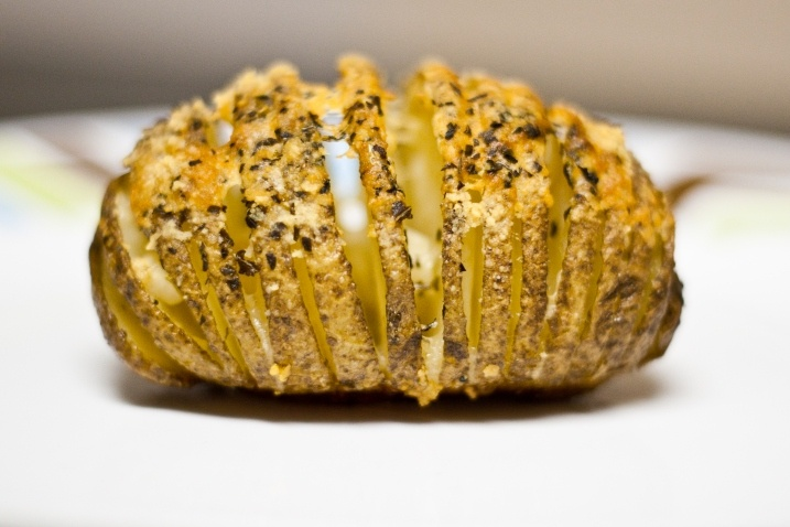 Hasselback Potatoes with Garlic and Parmesan