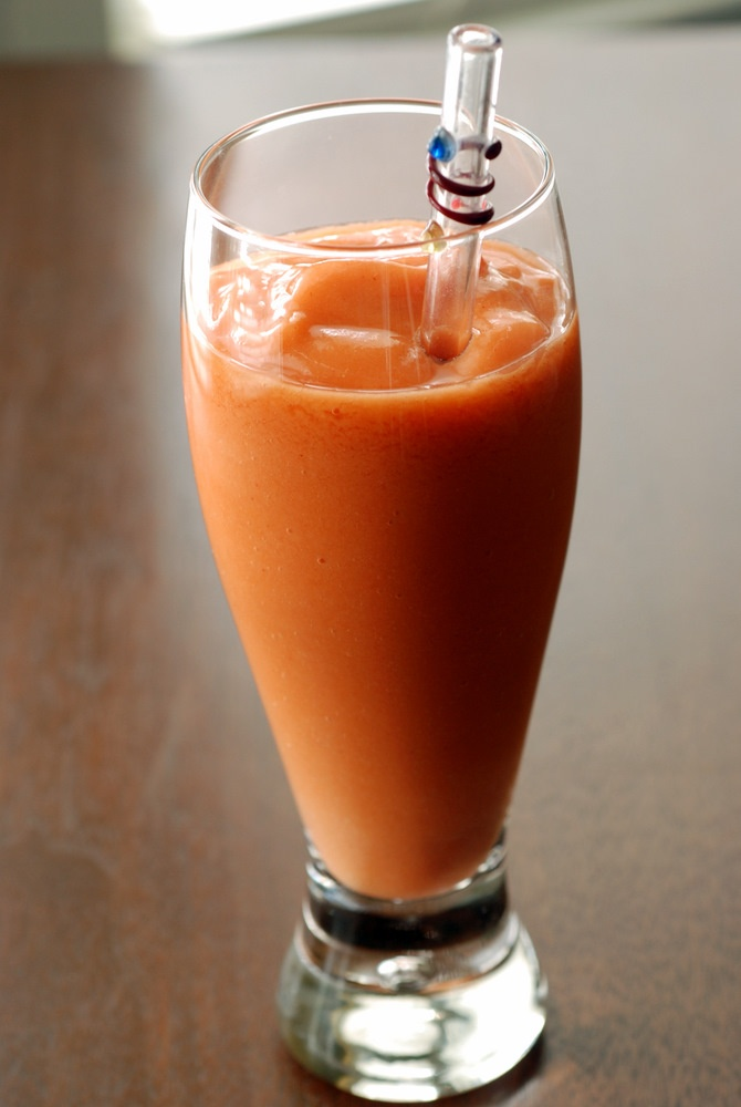 Strawberry-Mango-Carrot Smoothie | Cocktails, Smoothies and Drinks ...