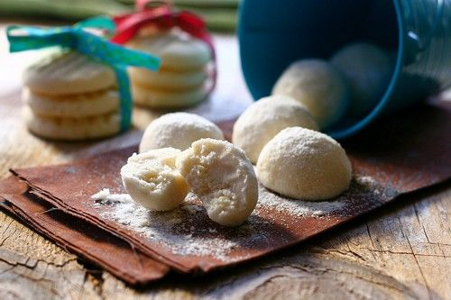 Melting Moments Cookies: For a velvety smooth and fluffy, crumbly ...