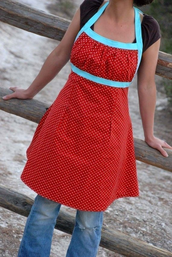 need this apron. I love the gathering at the top too! Wouldn't it ...: pinterest.com/pin/568298046700859201