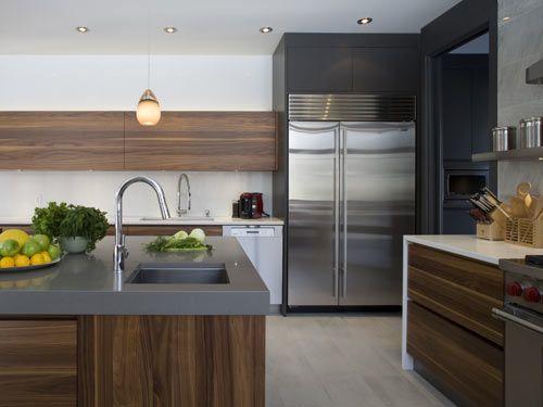 Warm wood grain dark grey white reno kitchen for White wood grain kitchen cabinets
