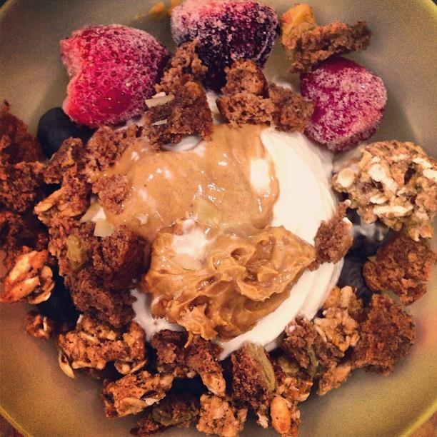 @lizaeatscleans photo: Night snack! Frozen plain @Chobani with frozen strawberries, fresh blueberries, @sweetleaf Stevia® Sweetener vanilla creme drops, 1/2T natural chunky #peanutbutter, 1/2 T #betternpeanutbutter, half a crumbled banana bread muffin, and kashi go lean crunch! #eatclean#healthysnack#powerbowl#foodisfuel#pbaddict#pbporn#foodporn#foodgasm#foodstagram#foodideas#chobani#greekyogurt#healthyfood#healthyeats#fitfam#fitfood#fitspo#foodie