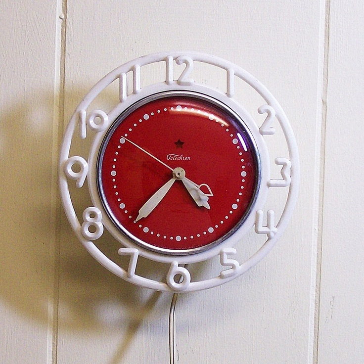 Vintage Wall Clock For Your Retro Red Kitchen