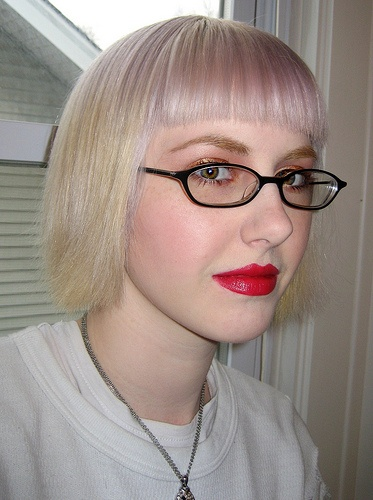 Hairstyles with glasses pictures