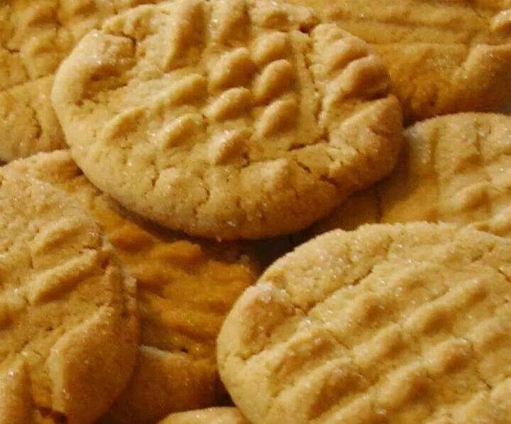 Peanut butter cookies | Recipes - Desserts | Pinterest