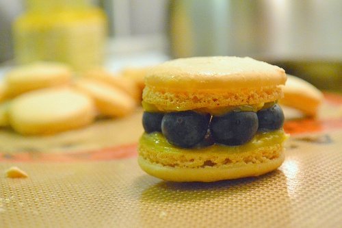 lemon blueberry macarons | Delicious Bites | Pinterest