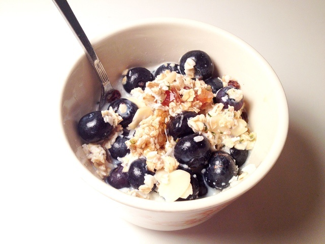 ... rolled oats cereal with berries, dried fruit, raw seeds and nuts! Sooo