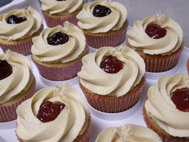 peanut butter and jelly cupcakes | Cupcakes | Pinterest