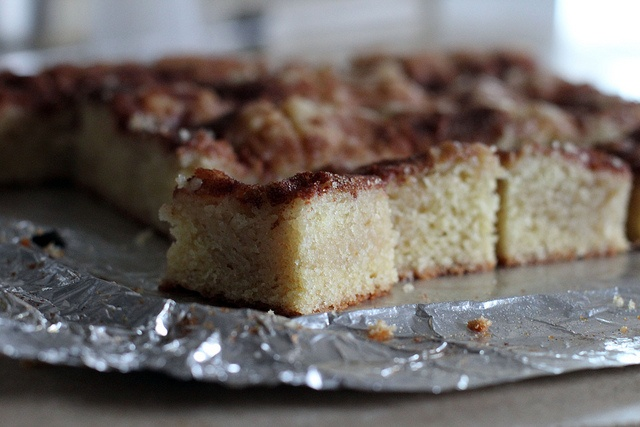 gooey cinnamon cake squares | Yumm | Pinterest