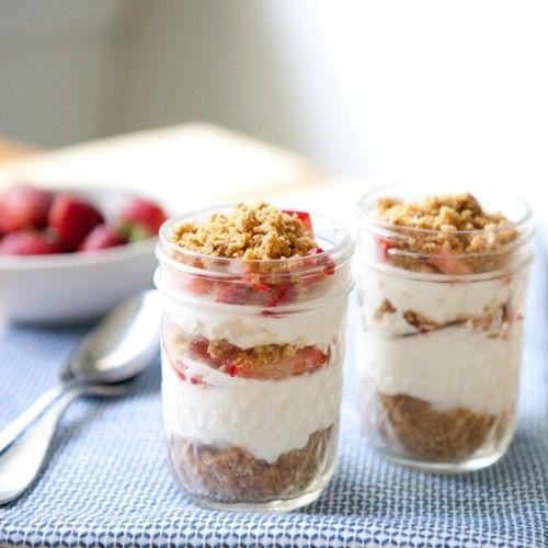strawberry cheesecake parfaits | Desert | Pinterest