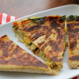 Curried spinach and zucchini quesadillas | entertaining | Pinterest