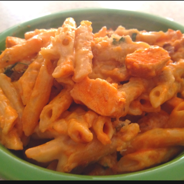 Buffalo chicken macaroni and cheese... | What I Love | Pinterest