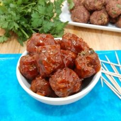 These Sweet and Sour Meatballs are the perfect tailgating food!