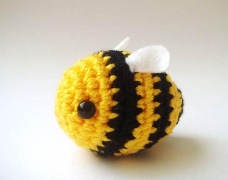 Kawaii Amigurumi Bee : Bee toy Crochet Bumble bee Buzz