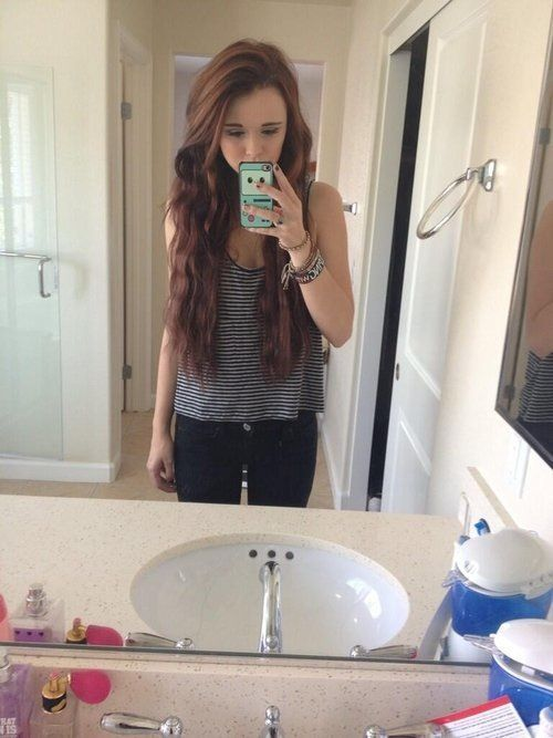 Cacia omg im in loove with your hair here js ♡