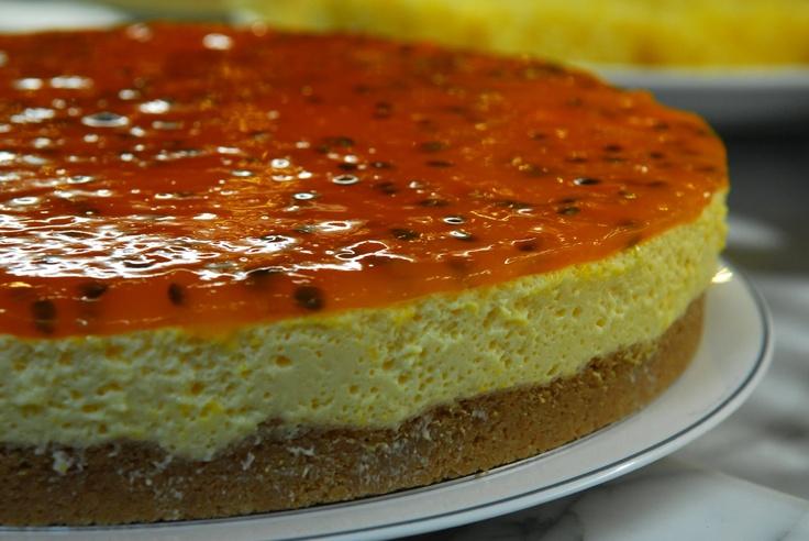 Passion Fruit Mousse Pie- Torta de Mousse de Maracuja - look for ...