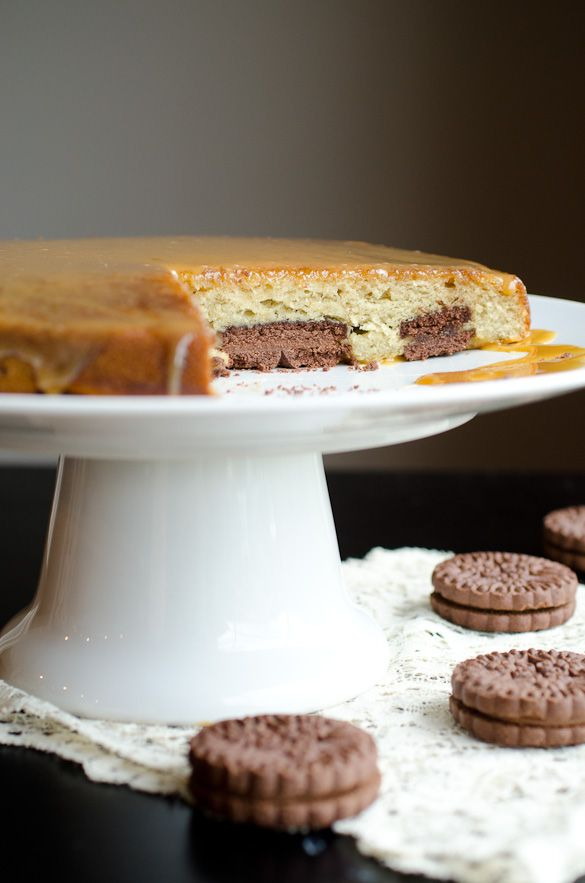 Chocolate Sandwich Cookie Banana Cake with Salted Caramel Topping | R ...