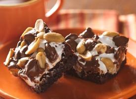 Tin Roof Sundae Brownies Recipe | Dessert | Pinterest