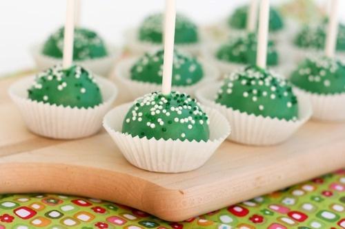 Green velvet cake pops | CakePops | Pinterest