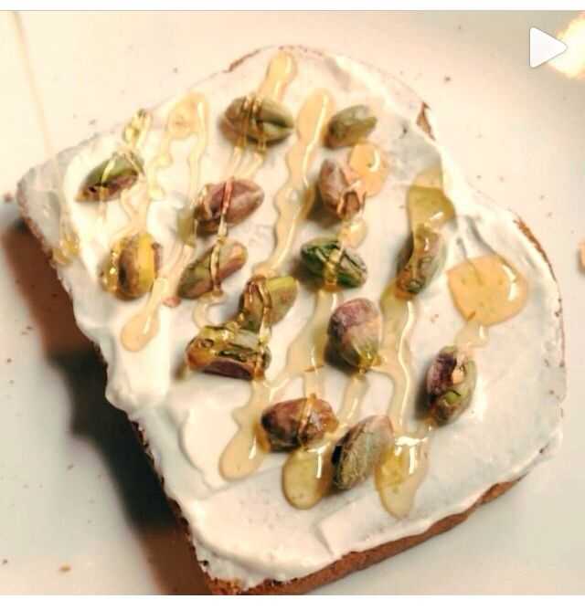 Whole Wheat toast topped with Greek yogurt, pistachios and honey ...