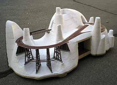 Pin by jeff herter on toys trains and models pinterest - Ho train layouts for small spaces image ...