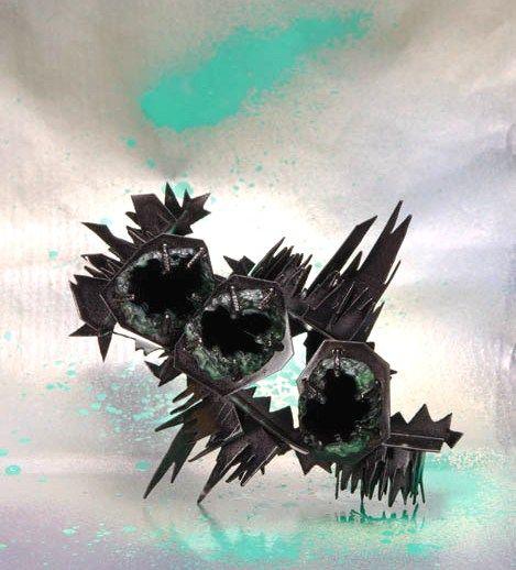 Helen Britton 'Thorn' 2014 (galerie Spektrum)
