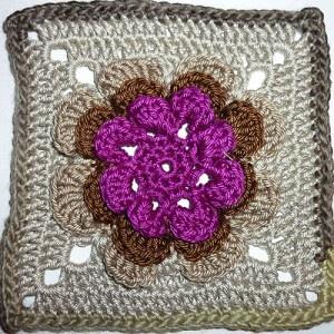 Irish Rose Square: free pattern | Crochet Squares Love