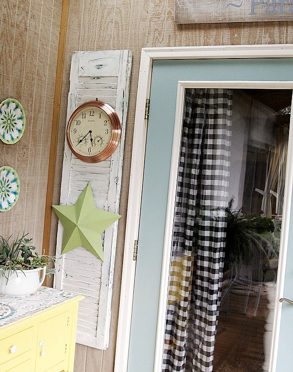 decorating with old shutters in my porch diy projects pinterest. Black Bedroom Furniture Sets. Home Design Ideas