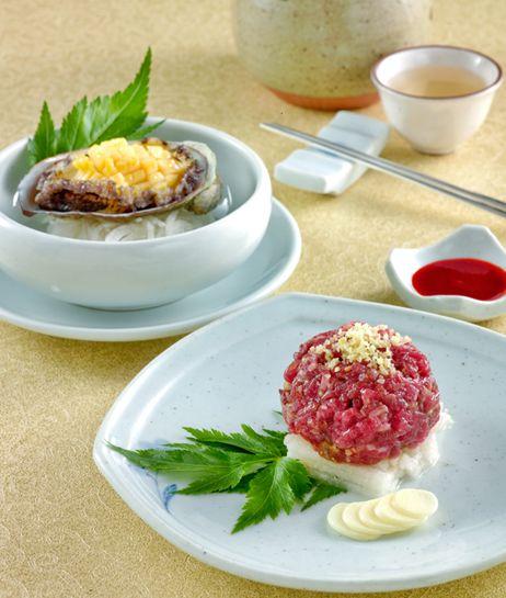 Jihwaja > > Korean Beef Tartare and Parboiled Abalones