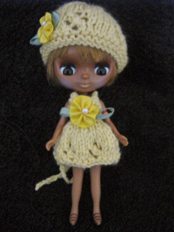 Hand Knitted Petite Blythe Dolls Clothes