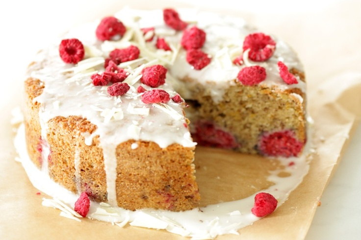 Raspberry and Almond Breakfast Cake | Drool Worthy Food | Pinterest