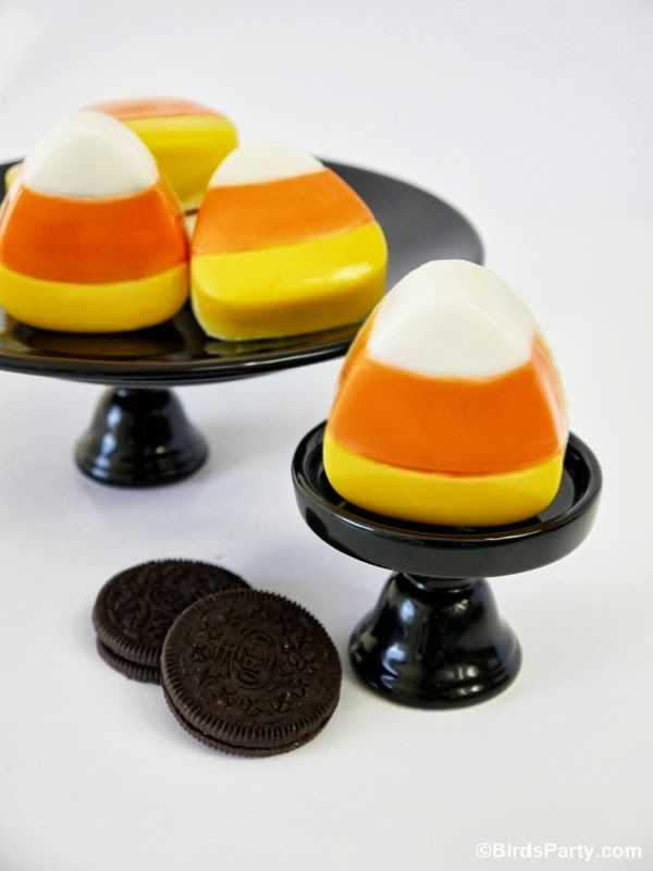 Bird's Party Blog: Candy Corn Halloween Oreo Cookies