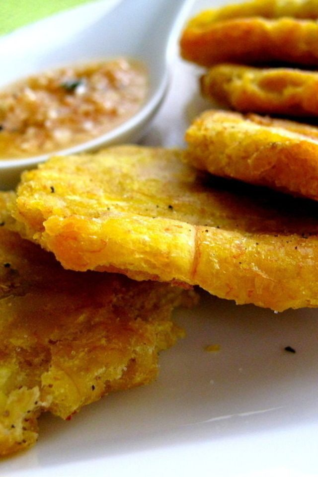 Tostones with Garlic Dipping Sauce | Vamonos Puerto Ricanos | Pintere ...