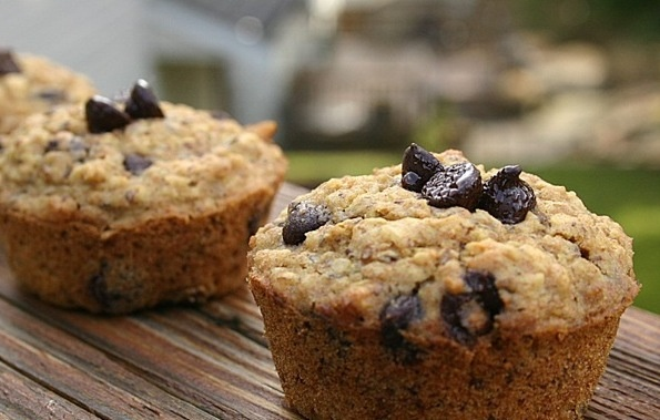 Muffins! Easy pancake breakfast! 1 c WW flour, 2/3 cup rolled oats ...