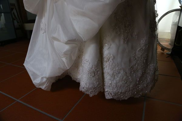 Com 2012 10 09 how to clean your wedding dress axzz2nuoxwz85