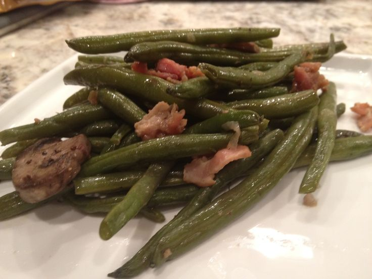 Fresh green beans with bacon | Thanksgiving | Pinterest