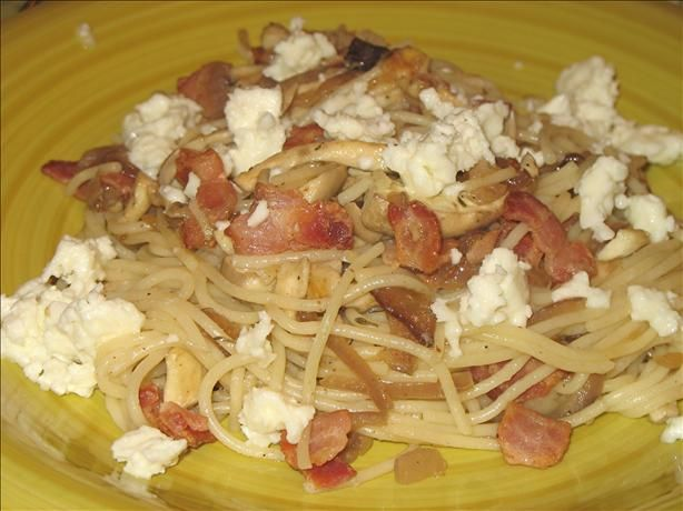 Pasta With Bacon, Mushroom & Caramelised Onions | happytimes ...