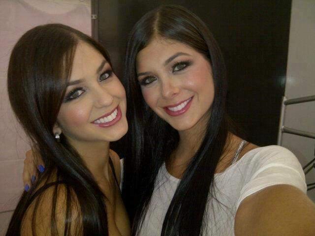 Mariana y Camila Davalos