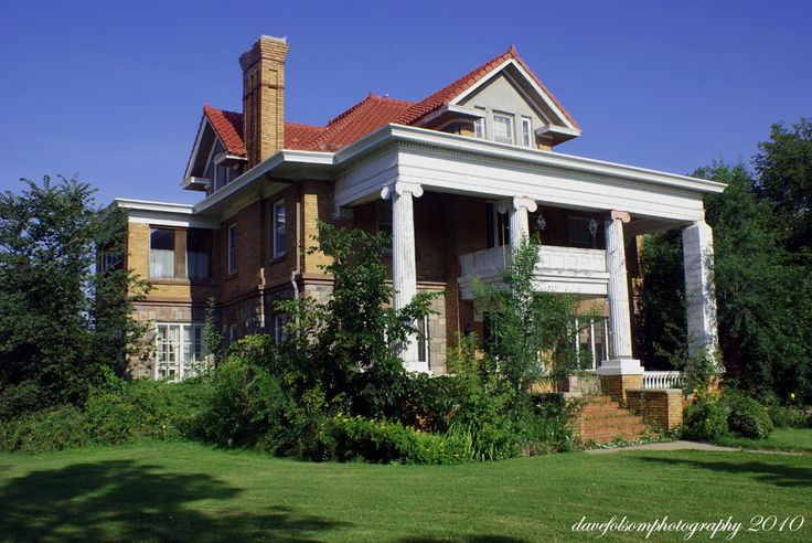 Old abandoned mansions for sale abandoned mansions for Hollywood mansion for sale