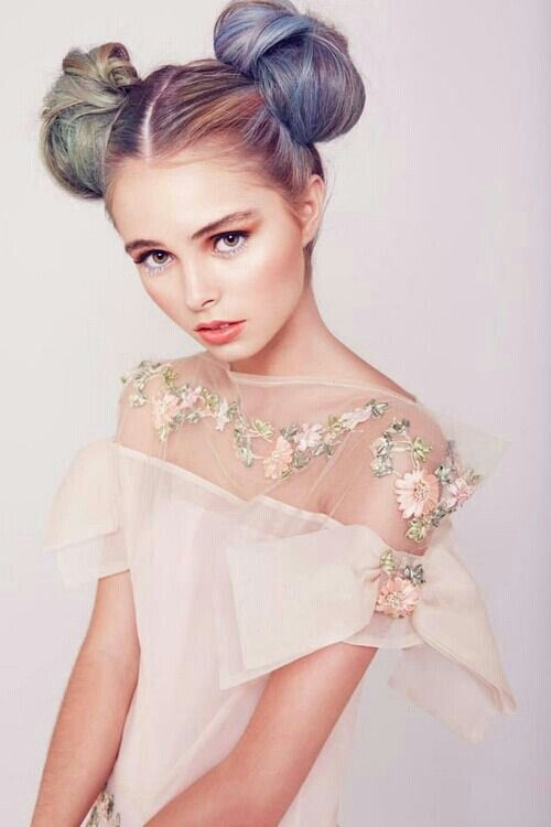 Prom Hairstyles 90s : Space buns hairstyles