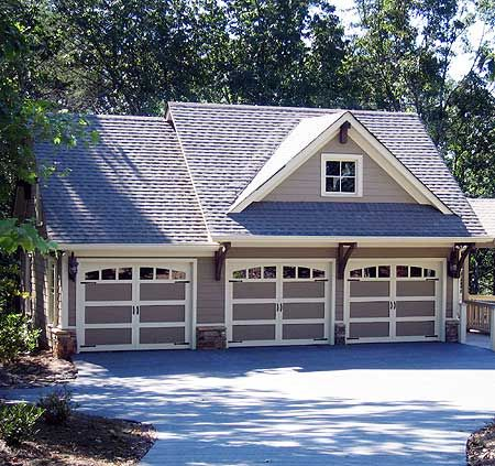 Rustic 3 bay guest house plan Narrow home plans with garage