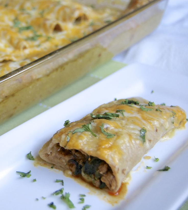 ... : Weekend Company {Guest Blogger Lynne - turkey spinach enchiladas